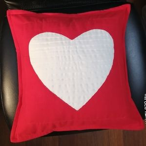 Other - Handmade  pleated 💓 pillow